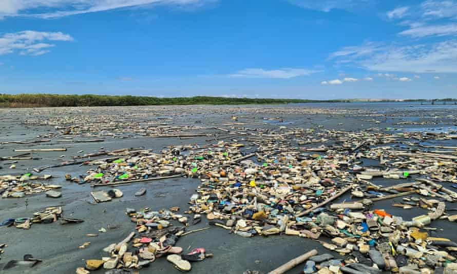 Rubbish across the Navotas mudflats and mangroves
