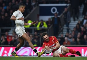George North runs in for the second try for Wales.