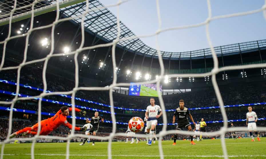 Donny van de Beek sidefoots his finish past Hugo Lloris to give Ajax a precious away goal at Tottenham.