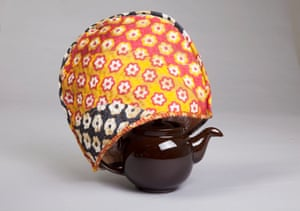 David Earp cosy and Brown Betty teapot