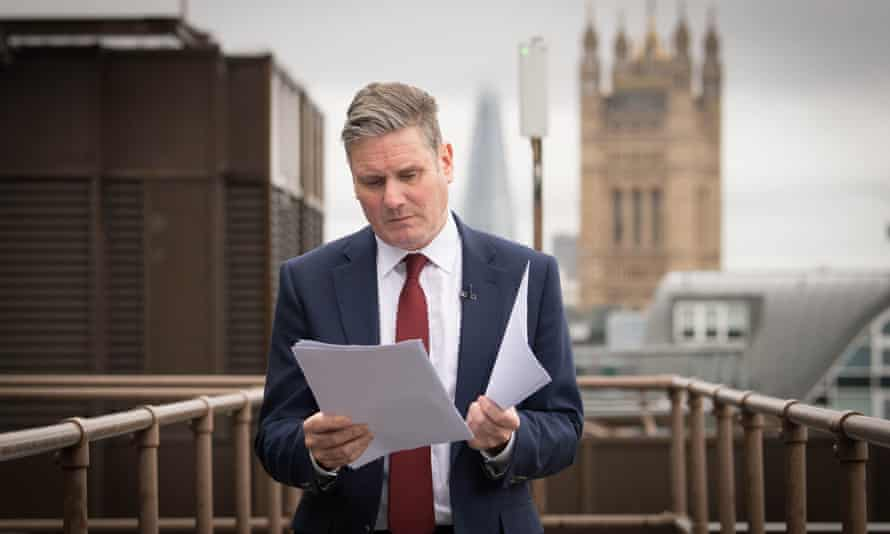 Sir Keir Starmer reads through his notes before his speech on Scotland, devolution and the United Kingdom.