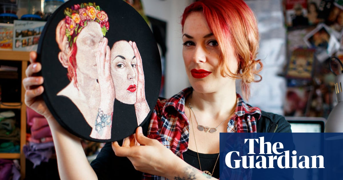 Royal Academy of Arts apologises to Jess de Wahls in transphobia row