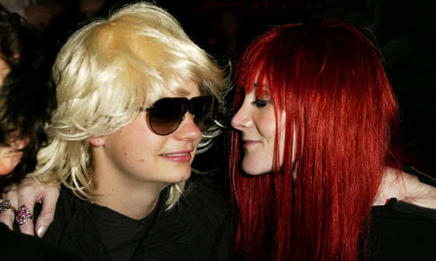 Secret identities ... JT LeRoy (aka Savannah Knoop) and Speedie (aka Laura Albert) at a reading of LeRoy's The Heart is Deceitful Above All Things in 2003.