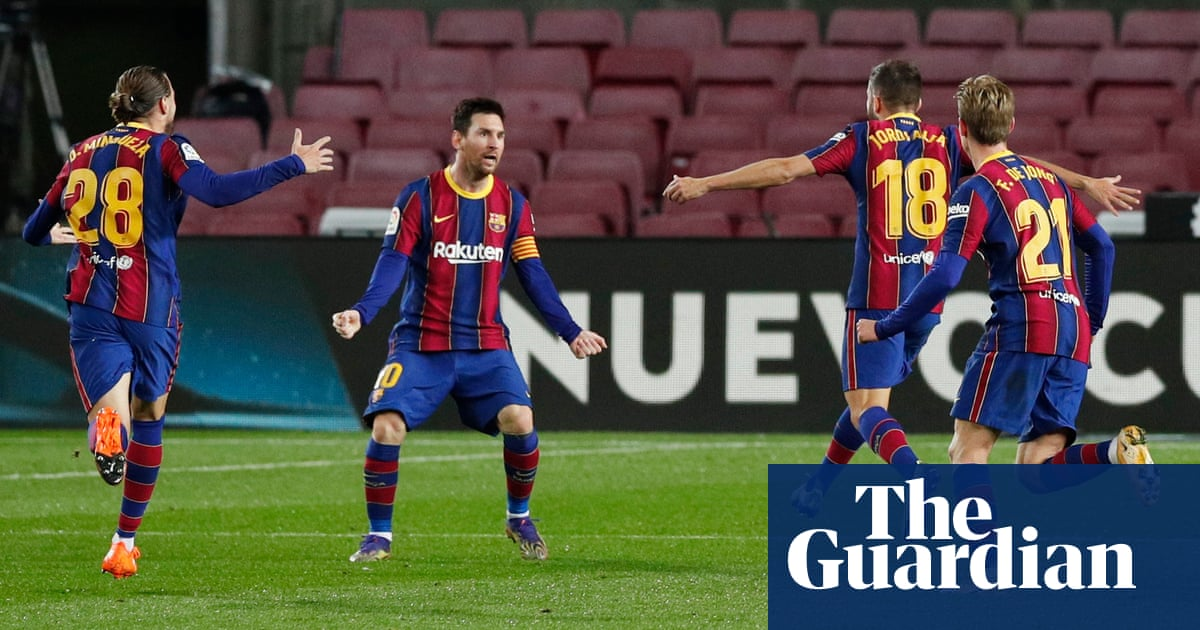 Barcelona take down leaders Sociedad while Ronaldo penalty costs Juventus