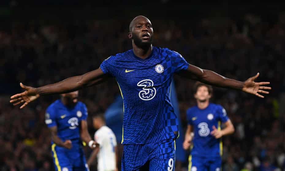 Romelu Lukaku's header earned Chelsea a 1-0 win over stubborn opponents at Stamford Bridge.
