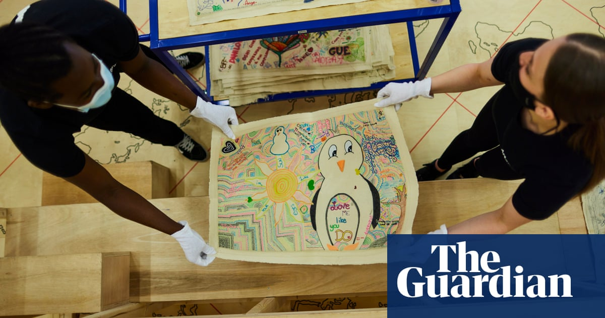Artist Oscar Murillo goes back to school with canvas project