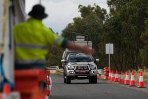 A Victoria-NSW border check point near Corowa