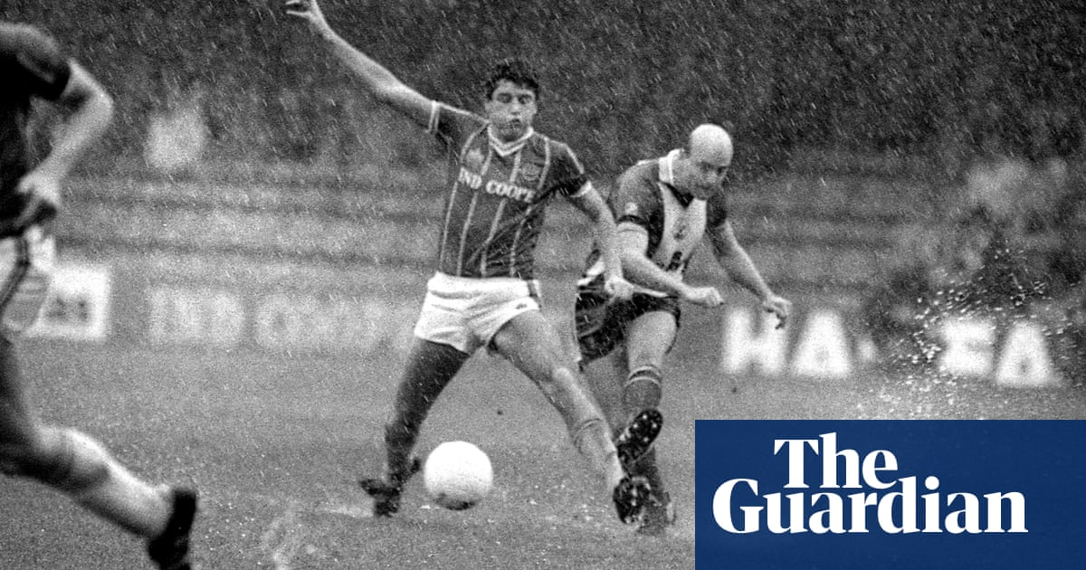 When Leicester and Southampton players were left swimming in the rain