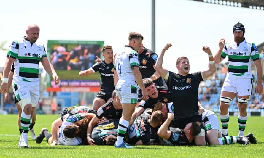 Exeter's Jacques Vermeulen celebrates after Sam Skinner scores his side's first try