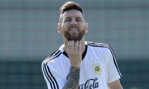 Lionel Messi ponders signing up ...