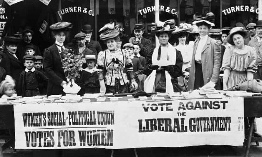 Suffragettes campaigning during a by-election, circa 1910.