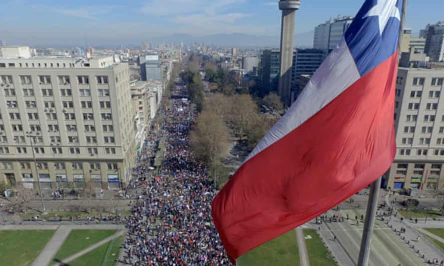 Thousands protest in Santiago
