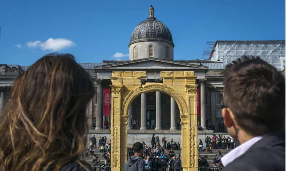 The Palmyra Arch copy unveiled in Trafalgar Square, London