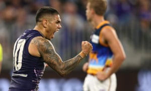 Sportwatch: Fremantle pip Brisbane, St Kilda down Carlton, Storm