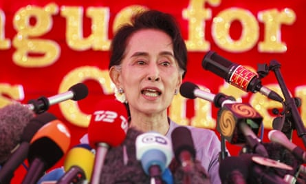 Myanmar's National League for Democracy Party leader Aung San Suu Kyi speaks to media about the upcoming general elections, during a news conference at her home in Yangon November 5, 2015