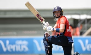 England captain Heather Knight clinched her team's win.