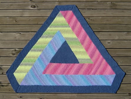 Rule of three: an impossible triangle