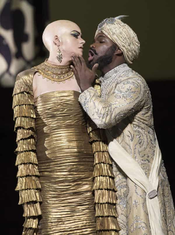 Brownlee with Jacquelyn Stucker in Semiramide at the Royal Opera House, London.