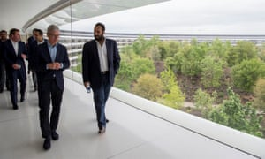 Tim Cook,  chief executive of Apple, shows Mohammed bin Salman round the company's HQ.
