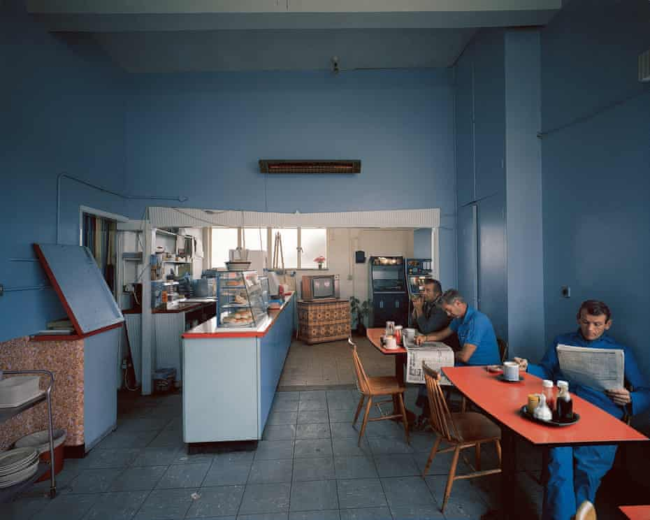 Paul Graham, Interior, John's Cafe, Sandy, Bedfordshire, April 1981, from A1 – The Great North Road (Mack, 2020)
