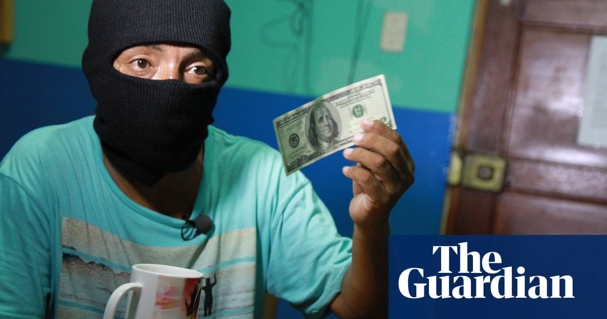 be2684386  Counterfeiting is an art   Peruvian gang of master fabricators churns out   100 bills