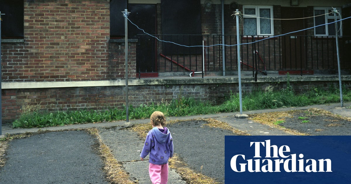More than 1m children from key worker families living in poverty, says TUC