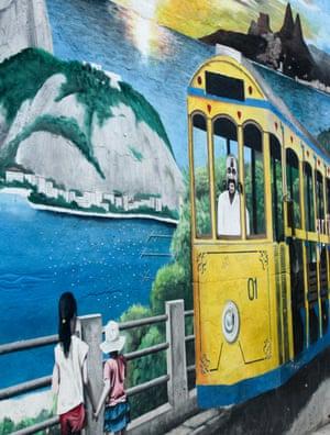 A mural in Santa Teresa favela : all aboard the Rio tram!