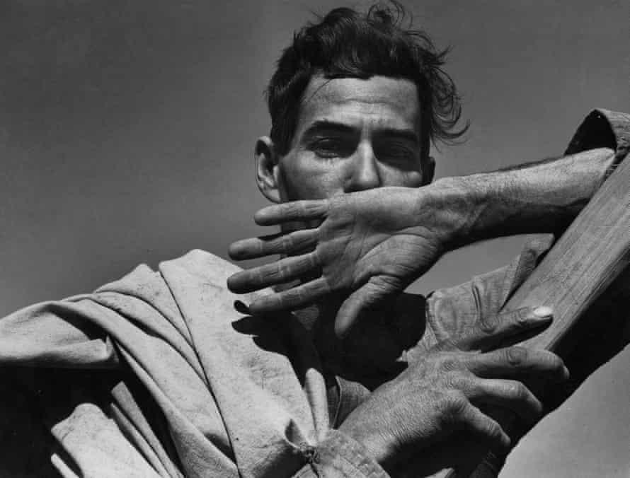 Dorothea Lange's image of a migratory cotton picker, Eloy, in Arizona, 1940.