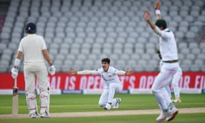 Naseem Shah of Pakistan appeals unsuccessfully for the wicket of Ollie Pope