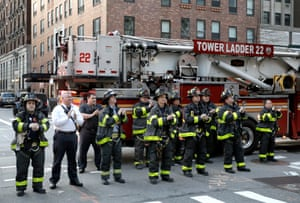 New York, US Firefighters gather outside Mount Sinai Morningside hospital to pay tribute to healthcare workers