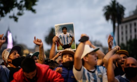 'It's like my old man died': Argentinians flock to palace for Maradona goodbyes