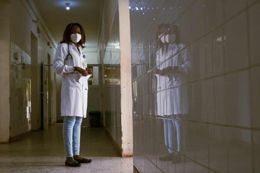 Aissatu Forbs Djalo, a doctor at Simão Mendes hospital in Bissau and member of the national health workers' union.