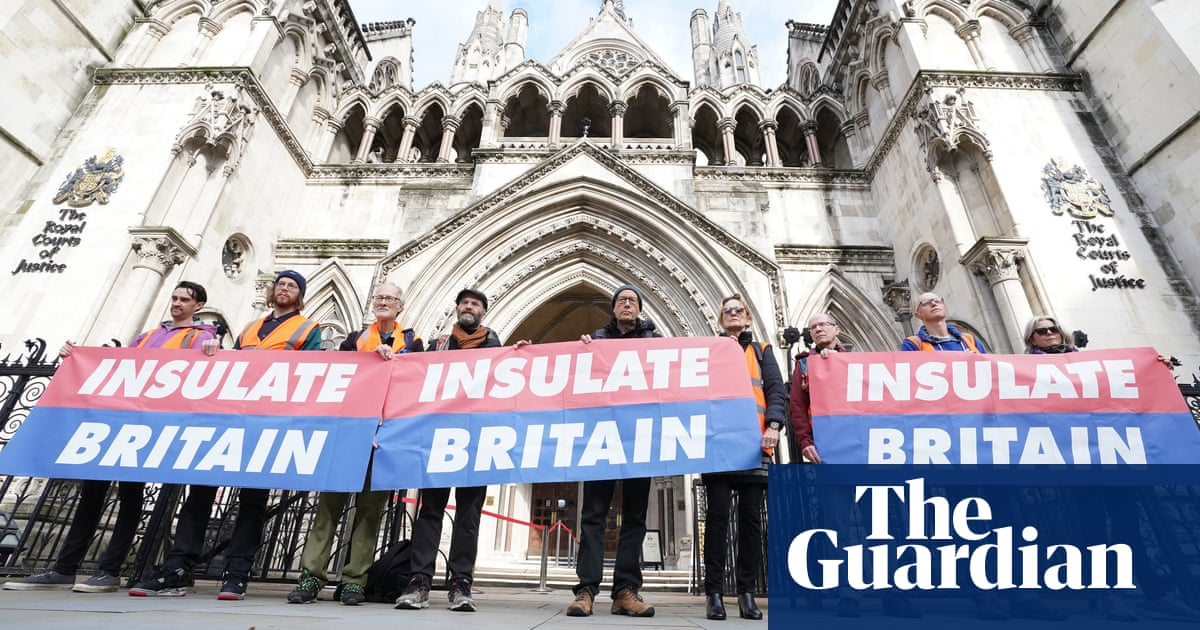 Insulate Britain pauses roadblocks to give PM 'chance to do the right thing'