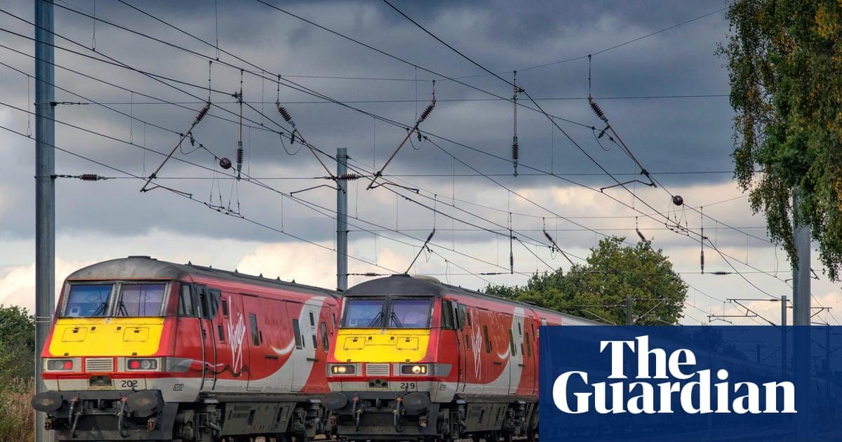 Spend £8bn to kickstart plan to decarbonise economy, chancellor told