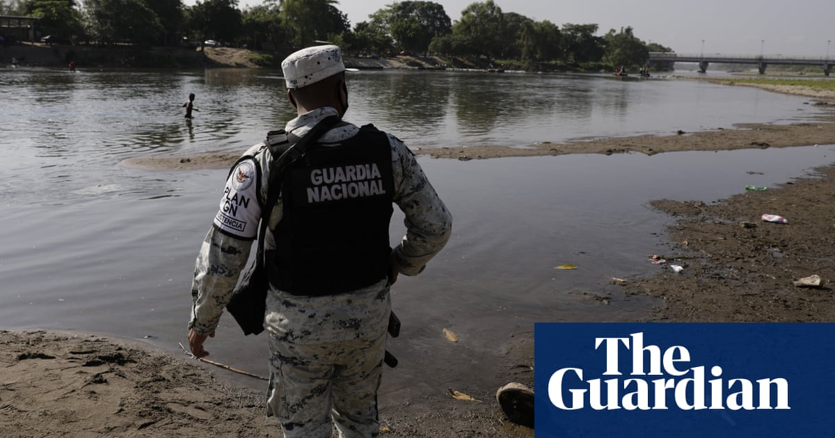Mexican army swallows up national guard to take on bigger policing role
