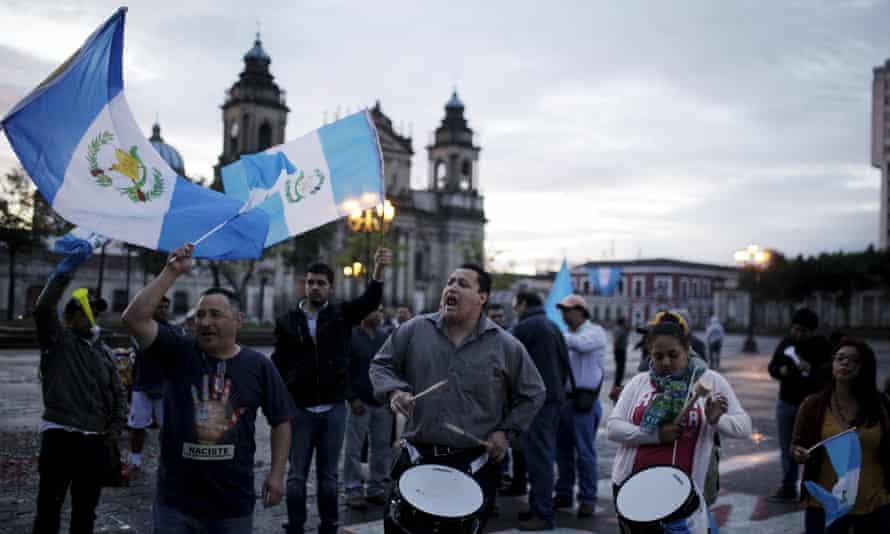 Guatemalans react on Thursday after the midnight resignation of President Otto Pérez Molina in Guatemala City.