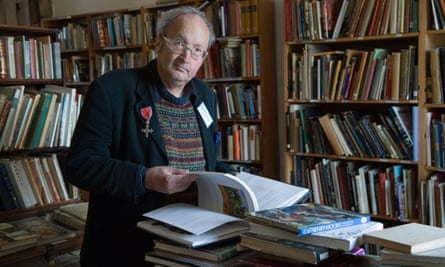 Richard Booth opened his first bookshop in Hay in 1962. With his gregarious manner and bluster he succeeded in picking up for a song the household libraries of many landed families.