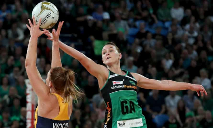 Nat Medhurst intercepts a ball to Steph Wood during the 2018 Super Netball grand final