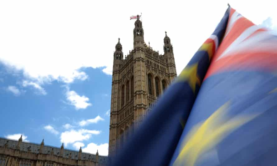 The MPs also conclude that the Brexit divorce bill for the UK will be at least £10bn higher than the £35bn-£39bn figure put forward by the prime minister.