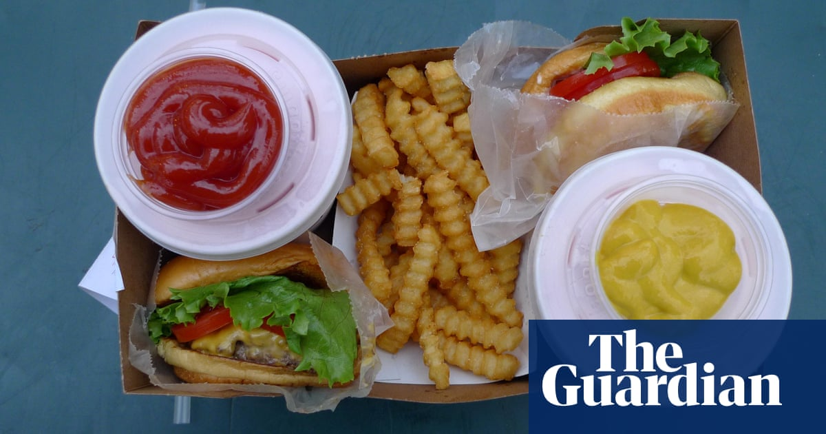 UK to ban all online junk food advertising to tackle obesity | Advertising  | The Guardian