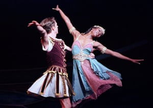 Dominic Walsh and Lauren Anderson in Houston Ballet's production of Cleopatra at Sadler's Wells, London, in 2001.