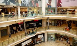 Fashion retailers saw sales at high street stores drop by 1.4% in July, while homewares sales fell by 1.1%.