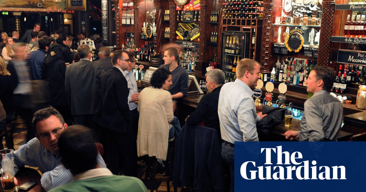 No 10 refuses to rule out Covid passports for entry into pubs