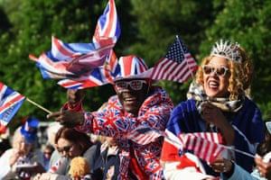 Royal fans soak up the atmopshere