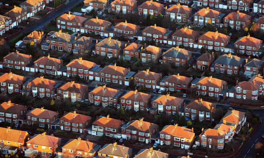 A former chief land registrar said a loss of confidence in the the body could affect the UK housing market dramatically.