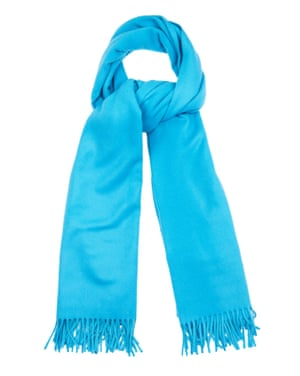 "£125 by A.P.C. from <a href=""http://www.matchesfashion.com/products/A-P-C--Echarpe-wool-wrap-scarf-1022250"">matchesfashion.com</a>"