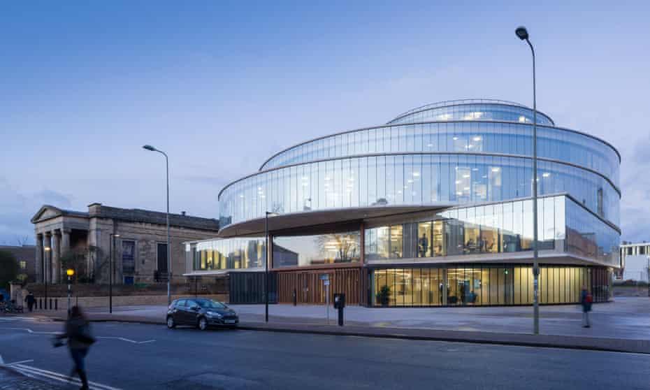 'Fresh, if perhaps a little corporate' ... The Blavatnik School of Government, Oxford.