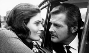 Roger Moore with Hildegarde Neil in The Man Who Haunted Himself.