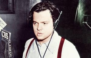 Orson Welles broadcasting on CBS circa 1938