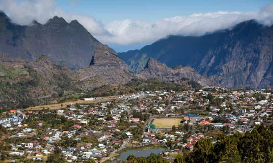 The town of Cilaos on Réunion